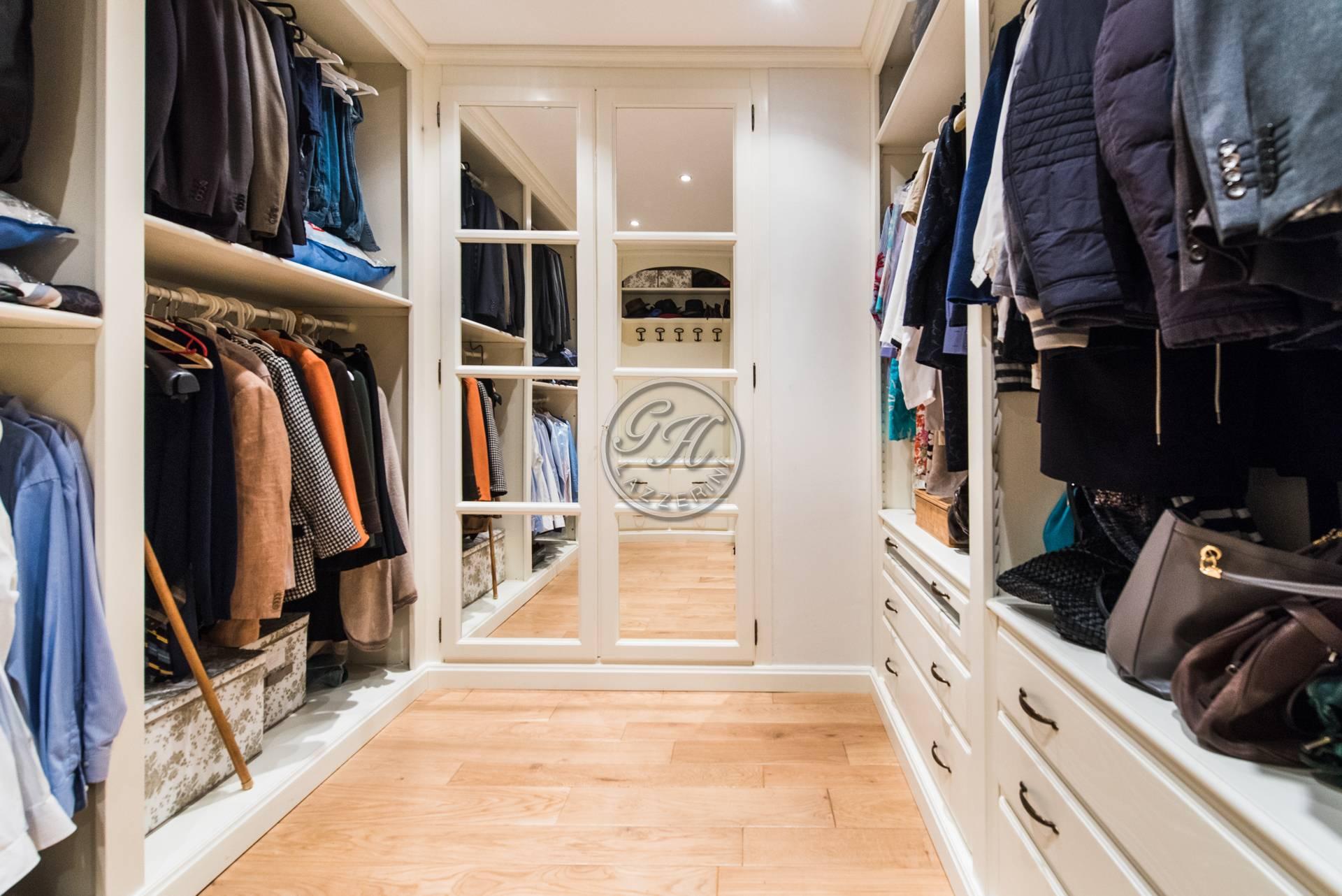 Cabina armadio in legno massello su misura cabina armadio - Cabina armadio su misura ...