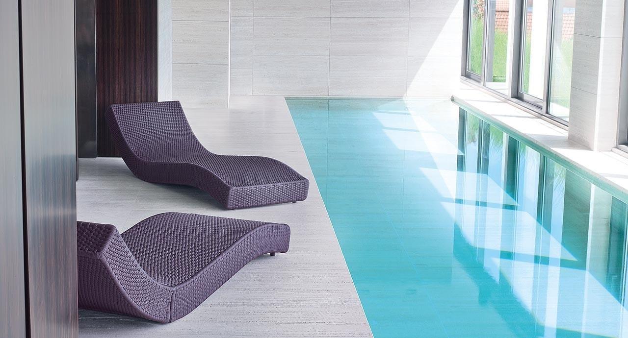 Lettino da giardino reclinabile wave by paola lenti design for Paola lenti