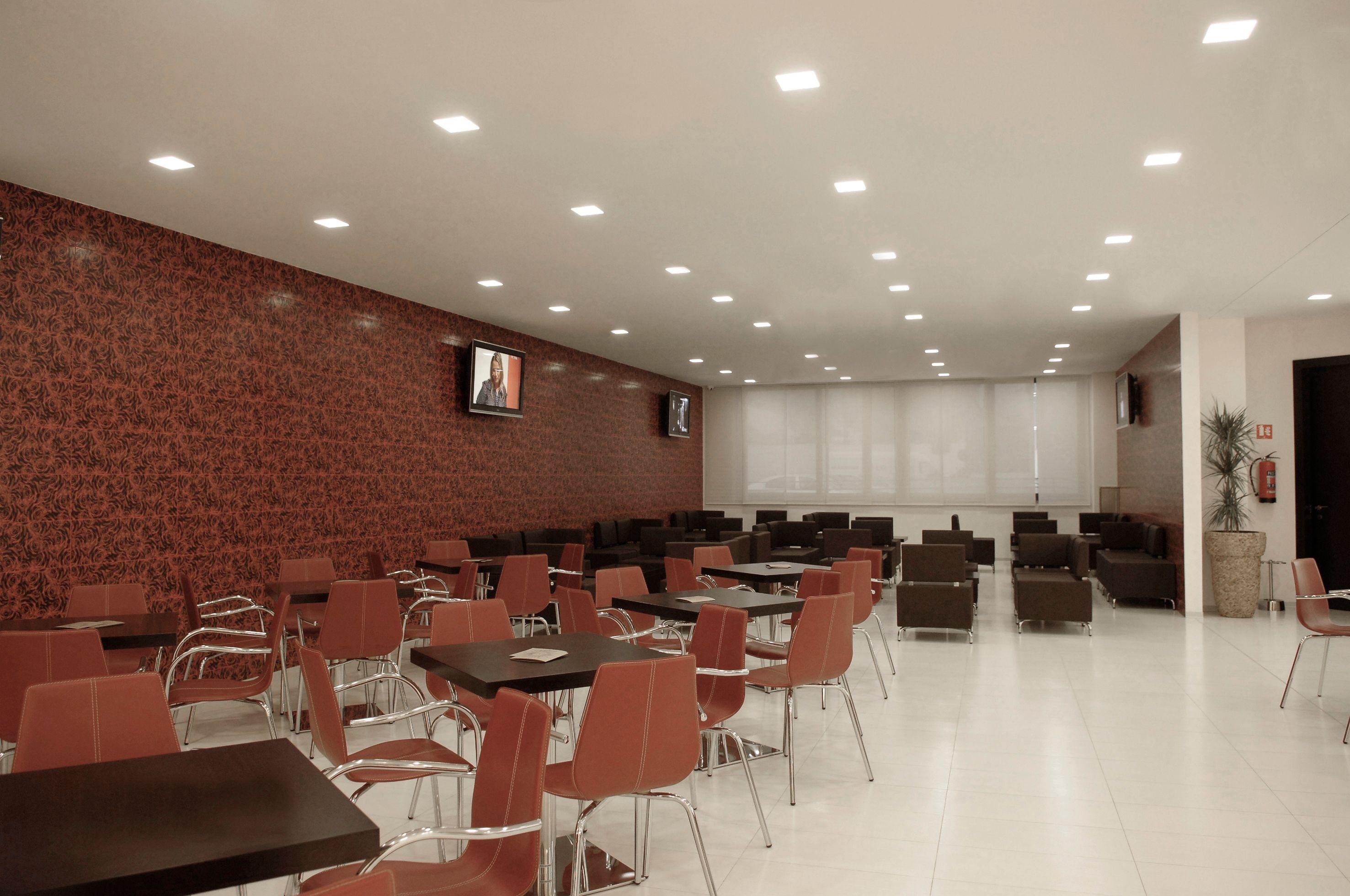 Spot collection zen by fabbian for Spot encastre plafond