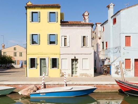Case colorate interni excellent in passato nelle case delle famiglie meno abbienti i mattoni - Case colorate interni ...