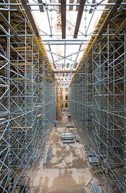 Un'Arca in acciaio e cemento armato per l'ampliamento del museo Albertinum di Dresda grazie a PERI UP