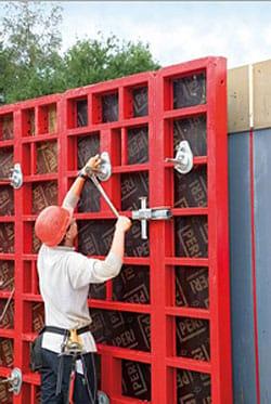 Cassaforma per pareti PERI MAXIMO: tempi di impiego ridotti