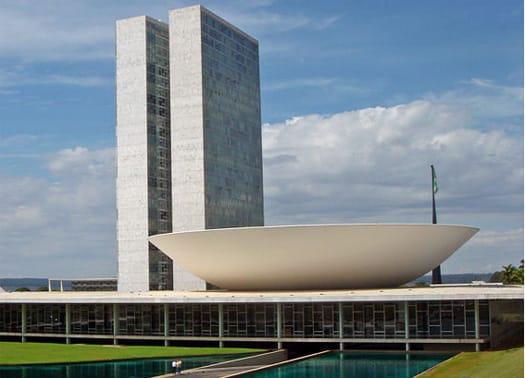 101% Oscar Niemeyer: l'Arte di Progettare