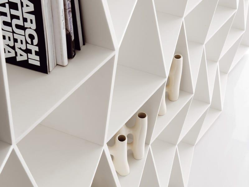 Wavy la libreria in hi macs di alivar