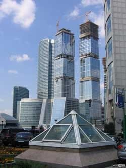 Tubazioni e climatizzazione Uponor nel più alto edificio d'Europa