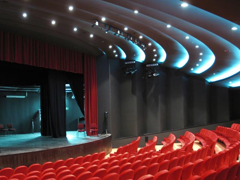 Nastri di luce led per il teatro comunale di vicenza