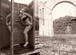 Sebach: Una fresca doccia di creatività per l'estate 2010