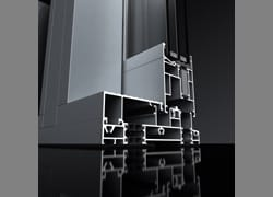 Alzanti scorrevoli AluK SC170: prestazioni innovative e tradizionali vantaggi