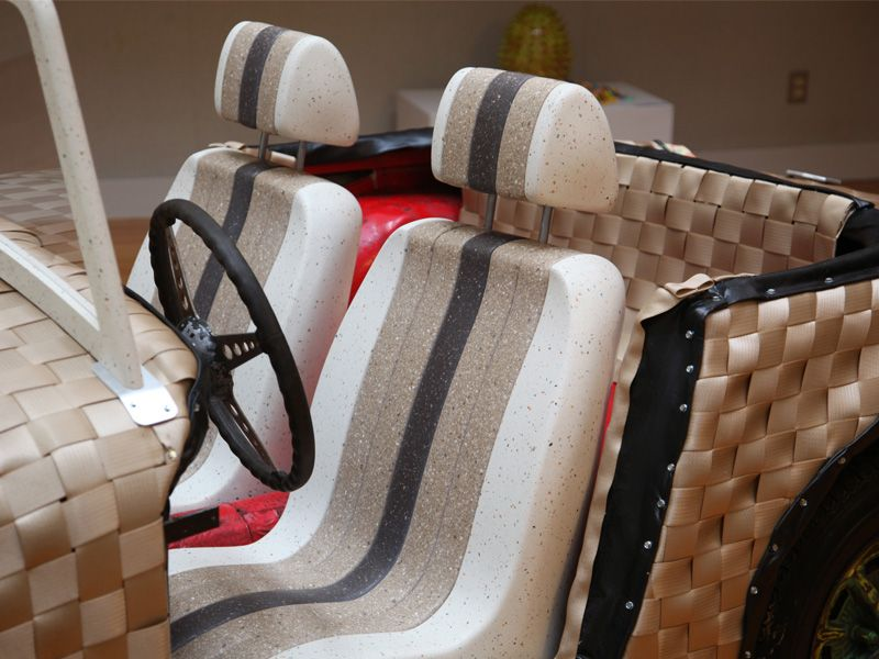 'The Woven Car' con DuPont™ Corian®