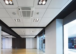 Travel Retailing: ambienti di design con i controsoffitti Armstrong Building Products