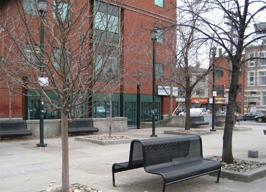 Toronto riqualifica Parkette Brunswick-College