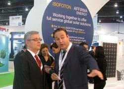 Il Segretario di Stato spagnolo dell'Energia visita lo stand ISOFOTON