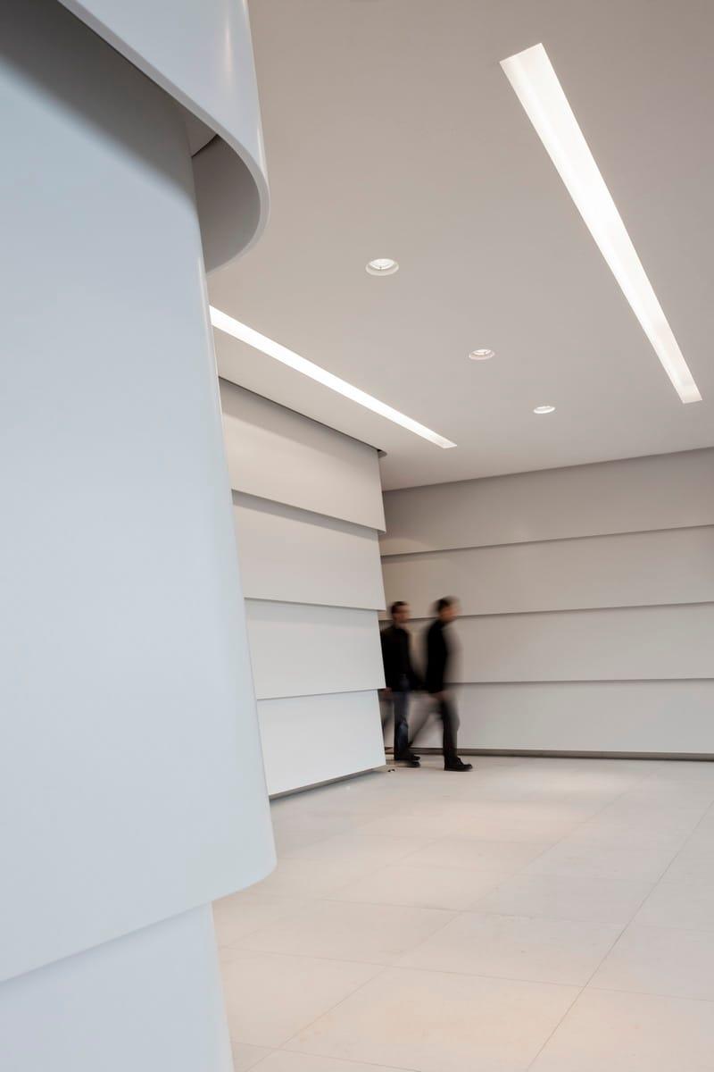 DuPont™ Corian® nella trasformazione di uno spazio urbano
