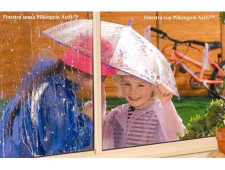 Pilkington ActivT, il vetro autopulente che sfrutta le forze della natura