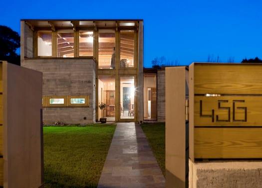 House in Madalena, cemento e legno possono dialogare