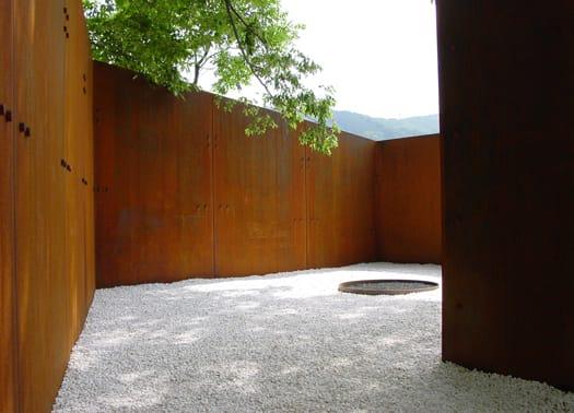 Una discarica abusiva tramutata in parco spirituale