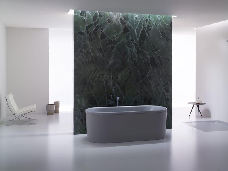 Vasca Da Bagno Spagnolo : Luce di vetro sopra rilievi vasca ovale in marmo moderno bagno