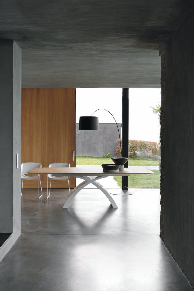 Tonin Casa, tavolo Tokio design Studio 28
