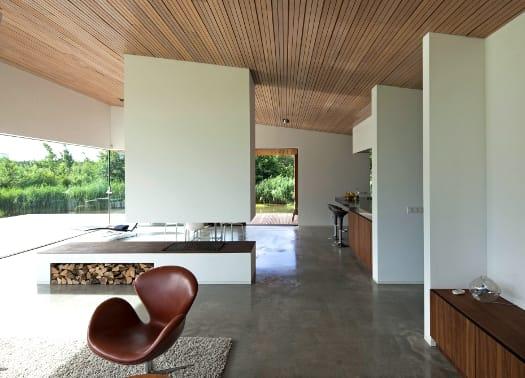 Villa Frenay: l'uso del vetro per ottenere luce, aria e spazio