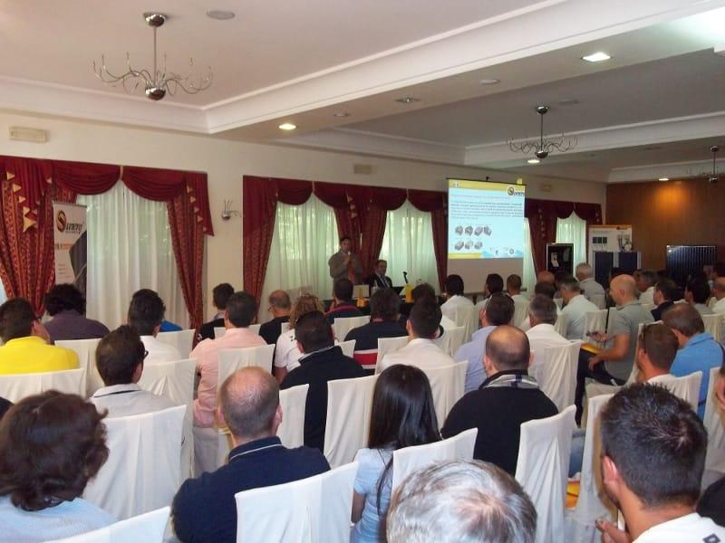 Tutti presenti al corso tecnico sulle nuove tecnologie di Sunerg in perfetta sintonia con il V Conto Energia