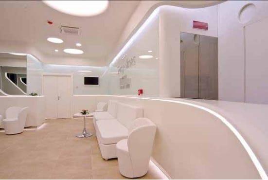 Nuova identità per Trampolines Hotel grazie a brillanti soluzioni progettuali e alla tecno-bellezza di DuPont™ Corian®