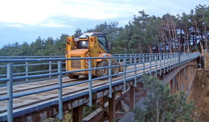 Il ponte in legno Wood Beton a campata unica di oltre 82 metri in Russia