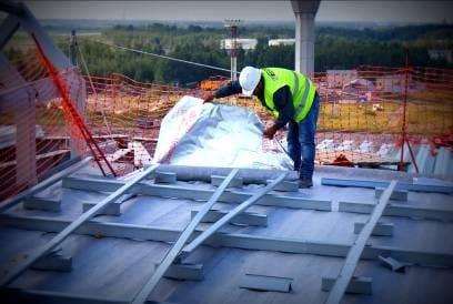 Membrane edilizie high-tech di DuPont all'aeroporto di Pulkovo