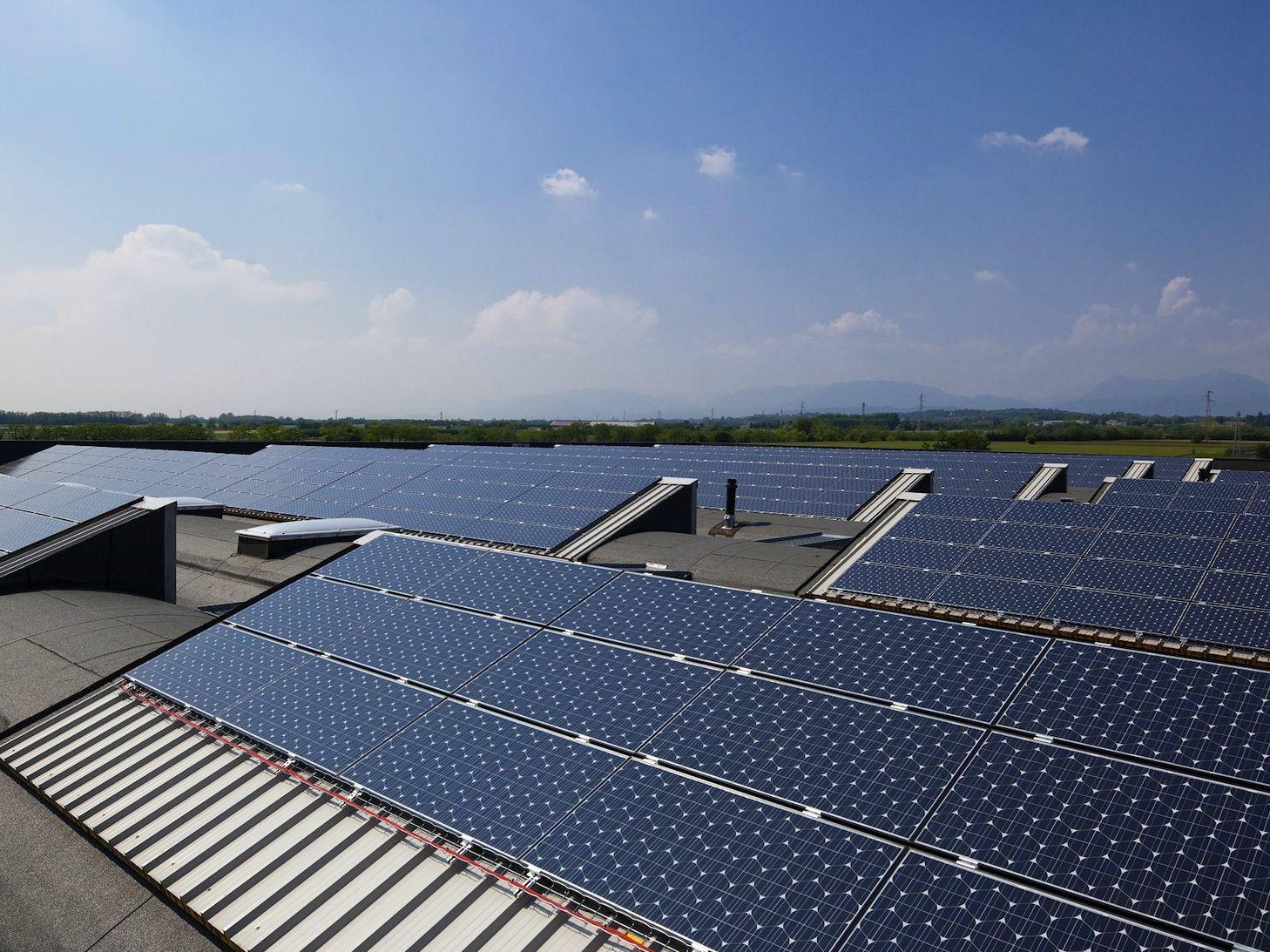 Totale autosufficienza energetica per il quartier generale Pratic