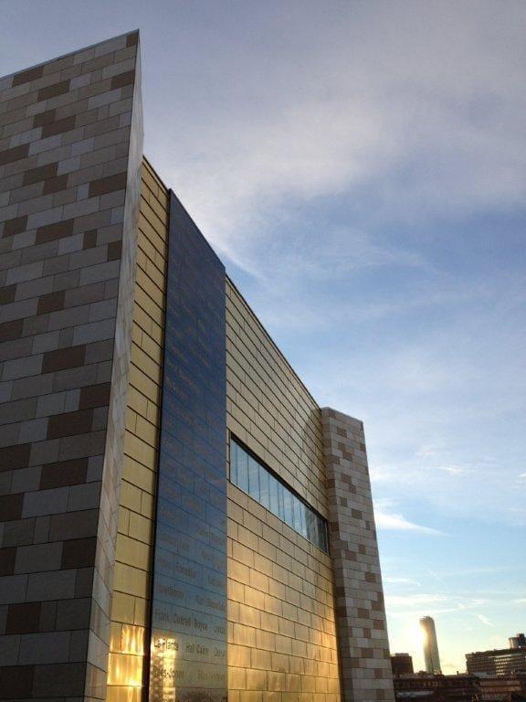 La tecno-membrana traspirante DuPont™ Tyvek® per la Biblioteca Centrale di Liverpool