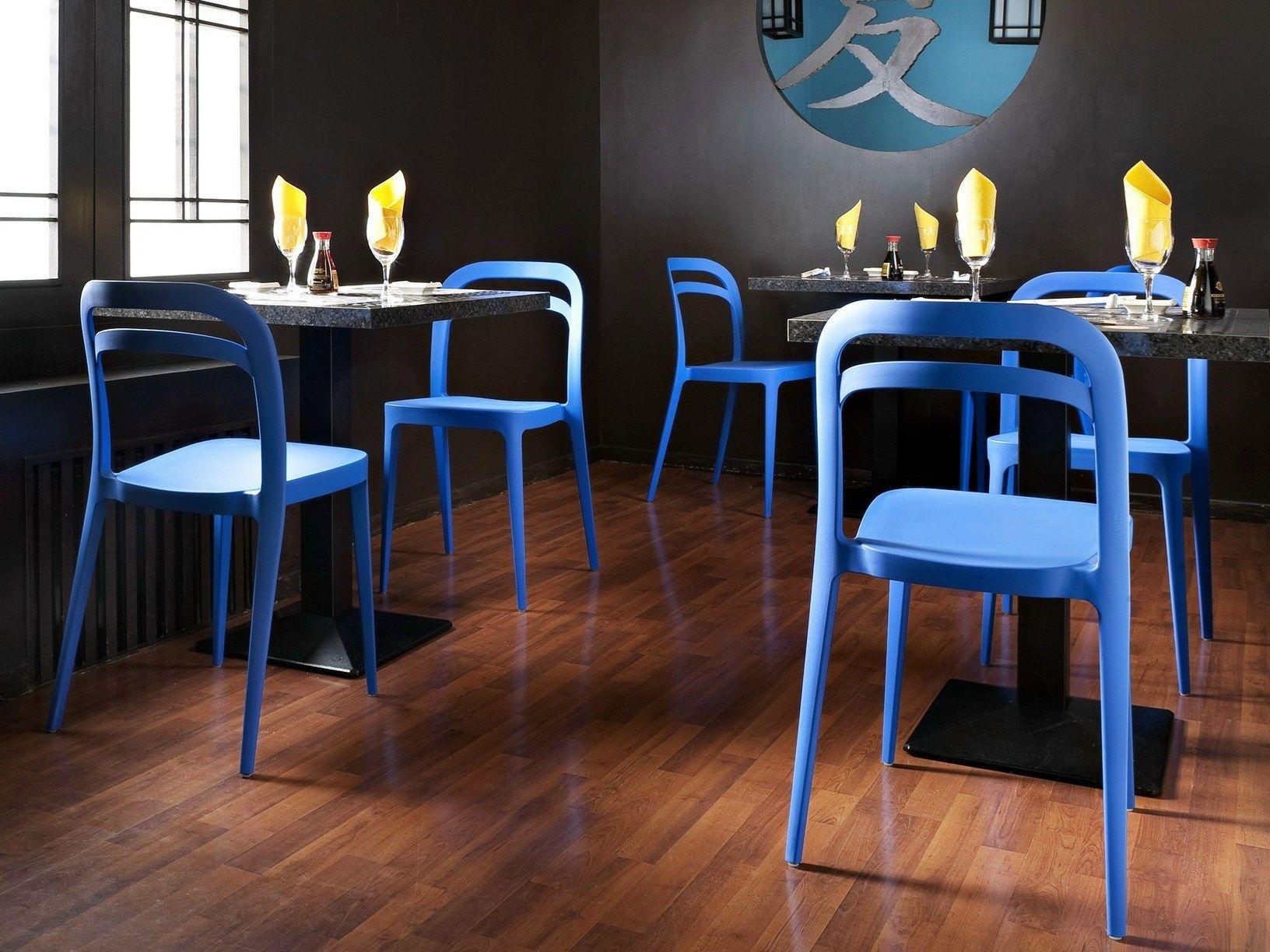 Alma Design interpreta il blu in tutte le sue nuances