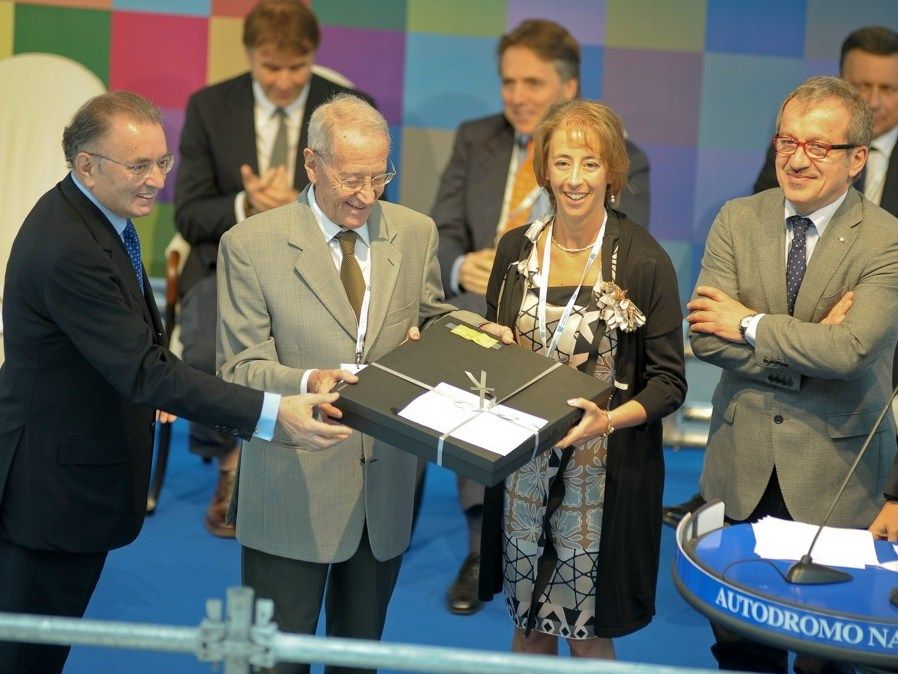 """Parigi Industry premiata da Confindustria Monza Brianza con il prestigioso riconoscimento """"Premio alla longevità imprenditoriale"""""""