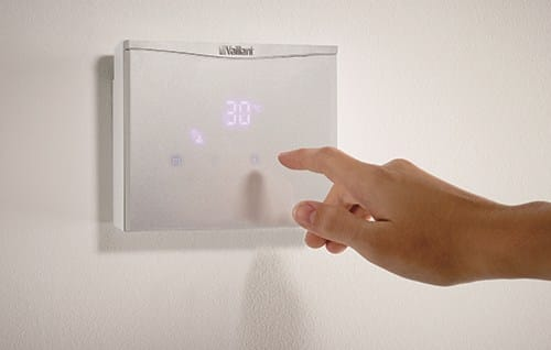 Vaillant presenta outsideMAG, lo scaldabagno da esterno per risparmiare spazio dentro casa