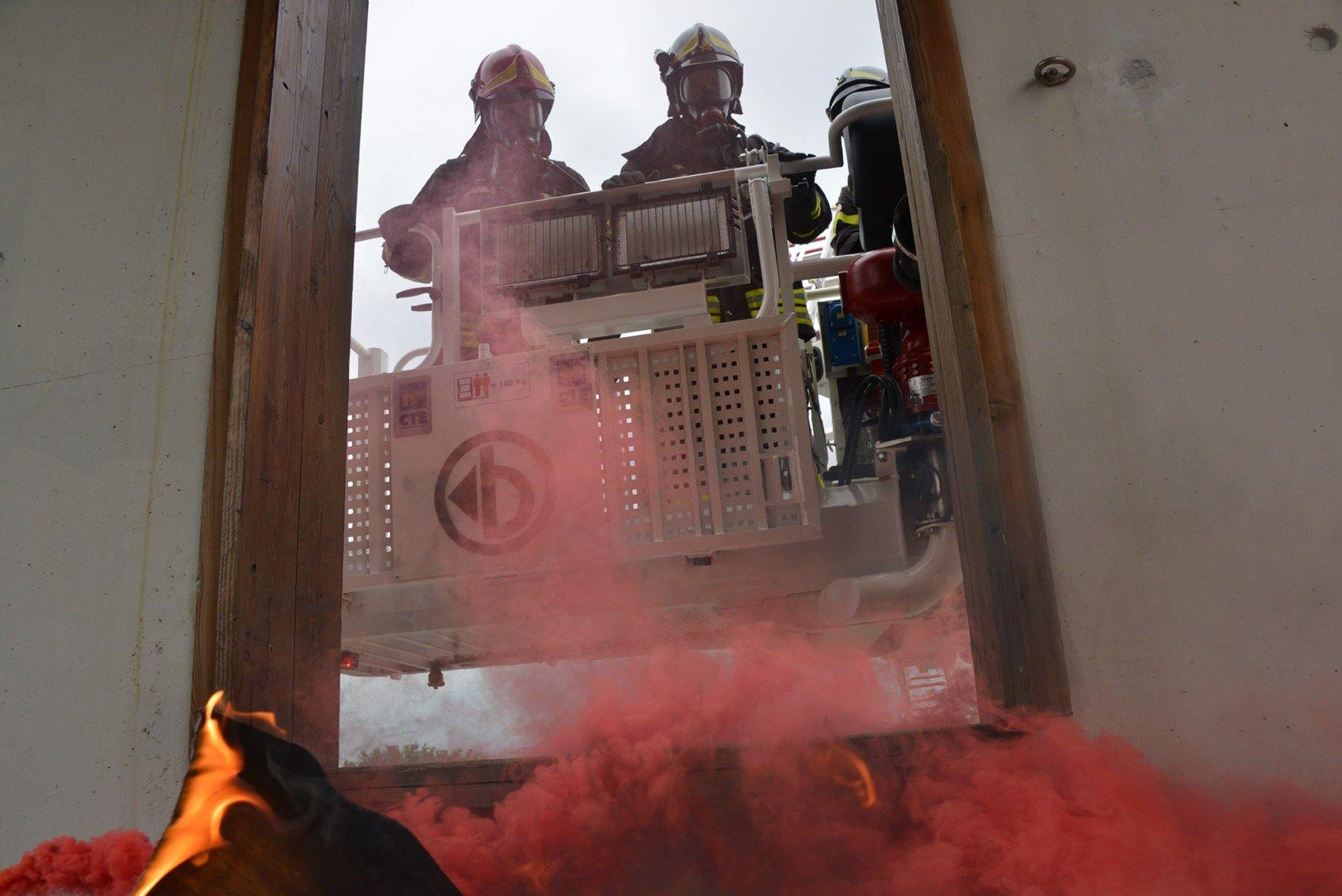 Realizzato un video rappresentativo della gamma di piattaforme e scale antincendio B-Fire di CTE