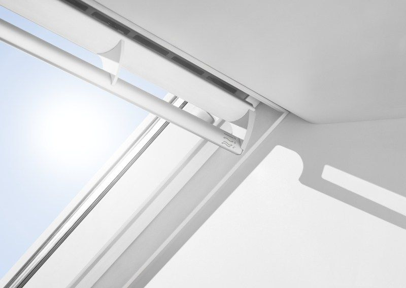 Velux presenta la nuova collezione di tapparelle avvolgibili for Finestre tipo velux
