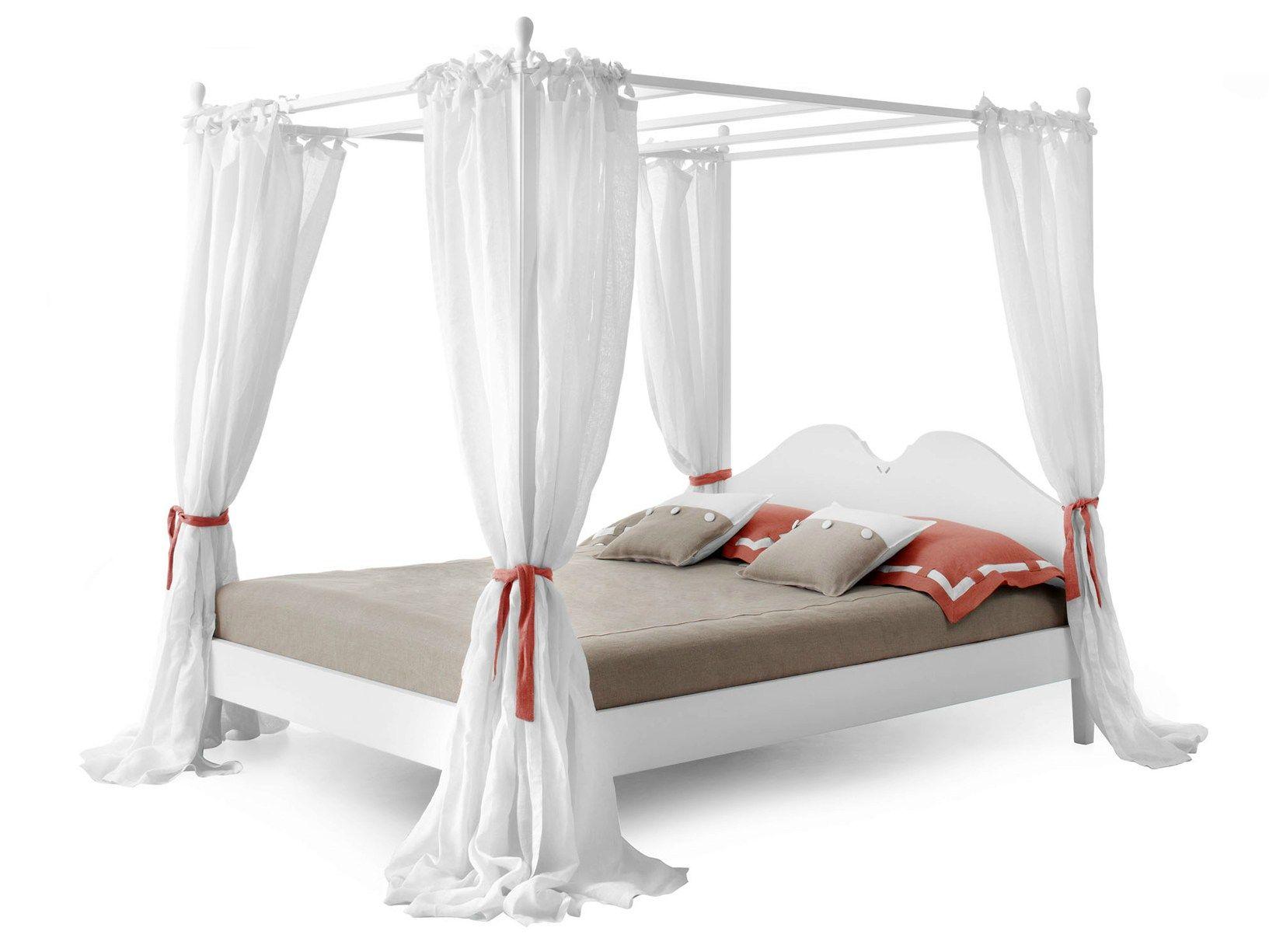 Ansouis, il letto a baldacchino firmato Minacciolo