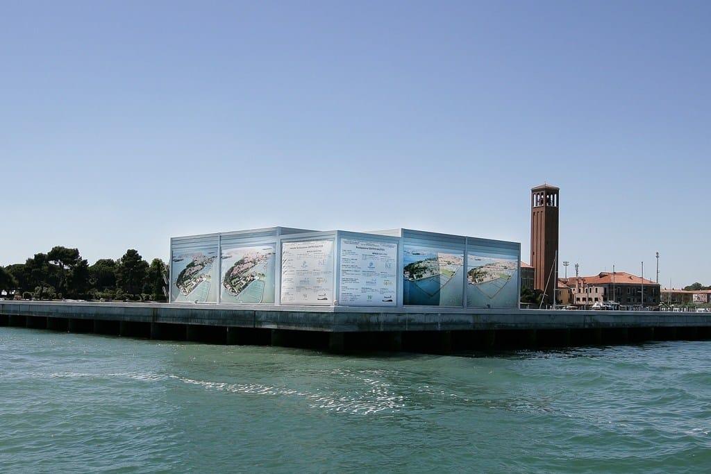 Somfy e KE per la protezione solare di un pontile a Venezia
