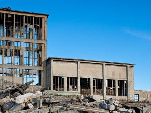Abusi edilizi, sanatoria impossibile se l'edificio è incompleto