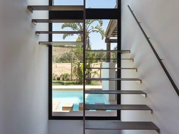 Badalona: la residenza estiva firmata 08023 Architecture