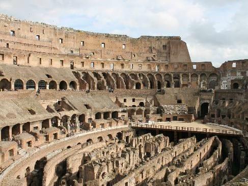 Colosseo, la ricostruzione dell'arena si farà