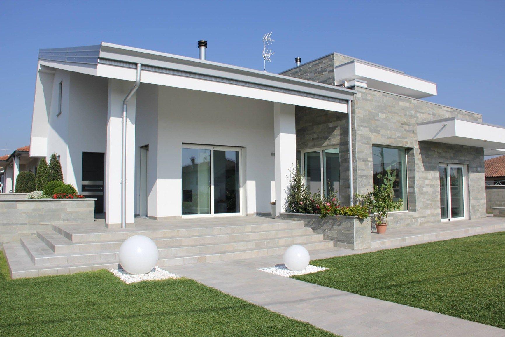 Un edificio degli anni 39 60 riconvertito in abitazione for Architettura ville moderne