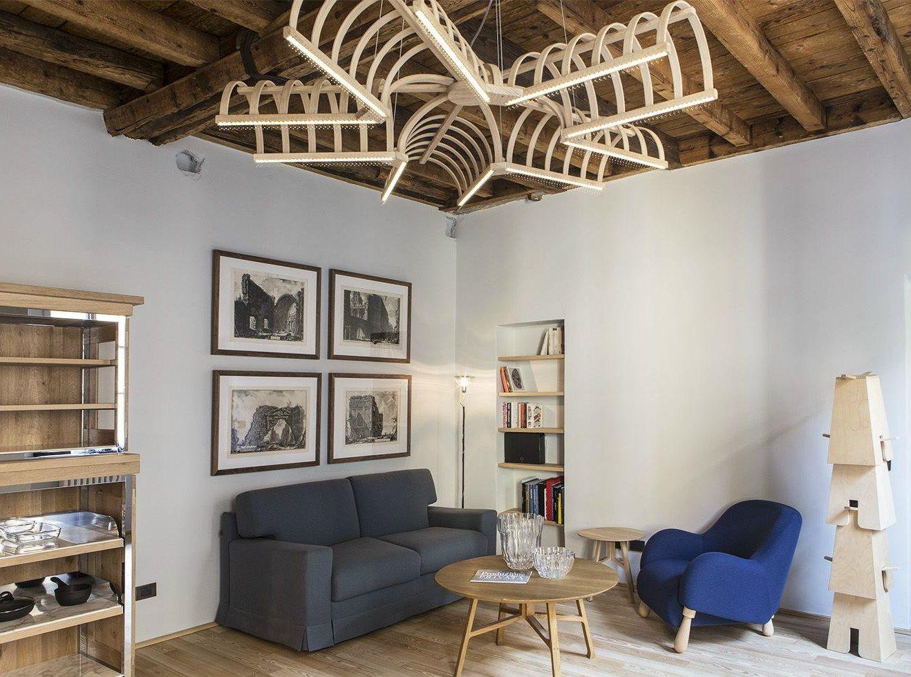 Un edificio stile 'Vecchia Milano' ospita l'ultima opera di De Lucchi