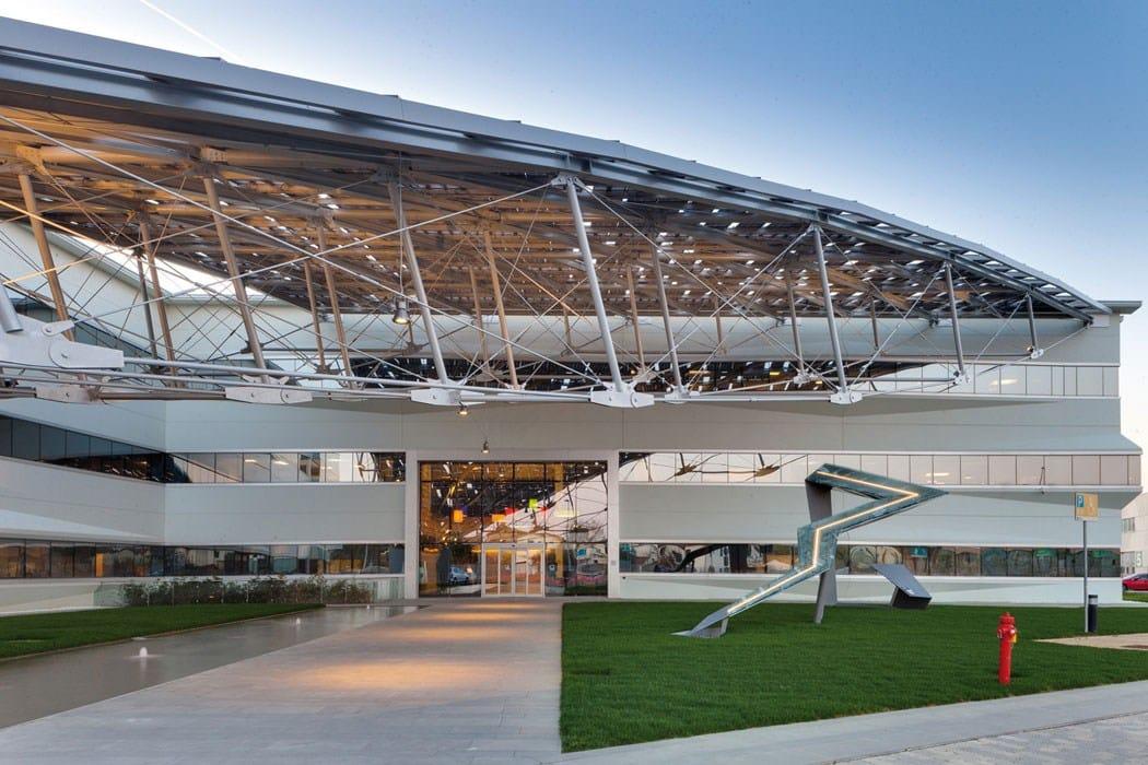 Saetta Fotovoltaica: la forma dell'energia secondo Baraclit