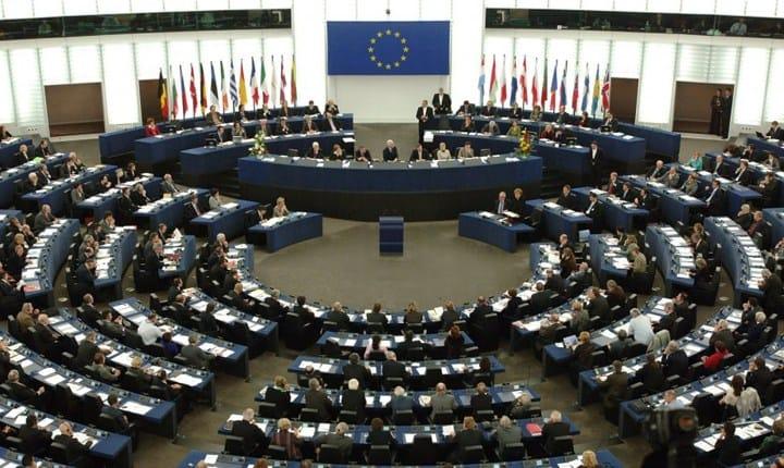 Libere professioni, UE: facilitare l'accesso ai finanziamenti e la mobilità internazionale