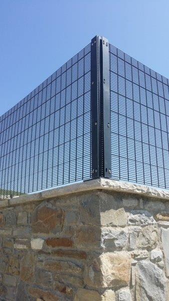 Securifor 2D per un'abitazione privata: estetica e sicurezza personalizzate