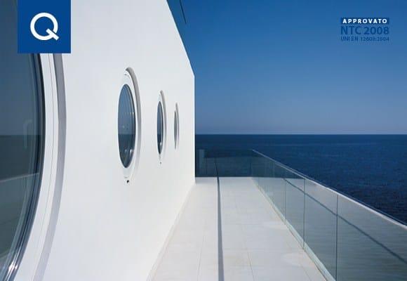 Le ringhiere Easy Glass® Q-railing soddisfano le prescrizioni delle NTC 2008