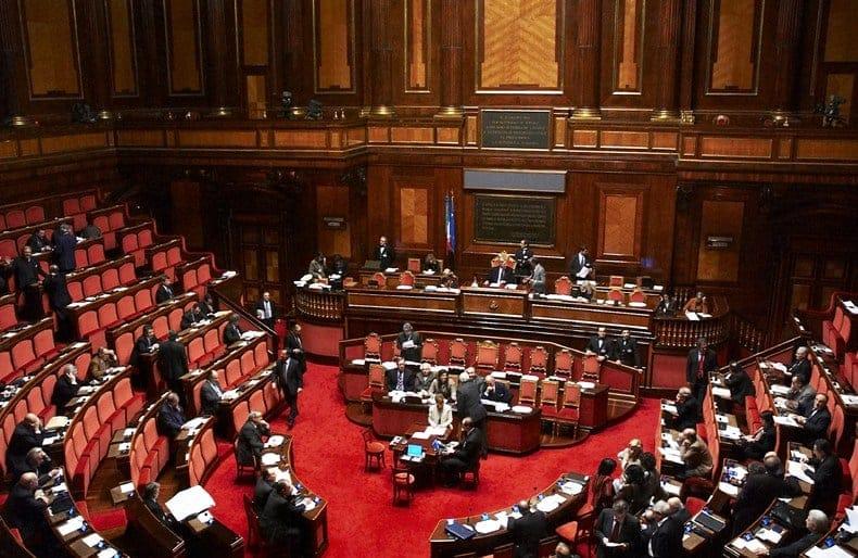 Ok del Senato al Collegato Ambiente, bonus fiscale del 50% per bonificare i capannoni dall'amianto