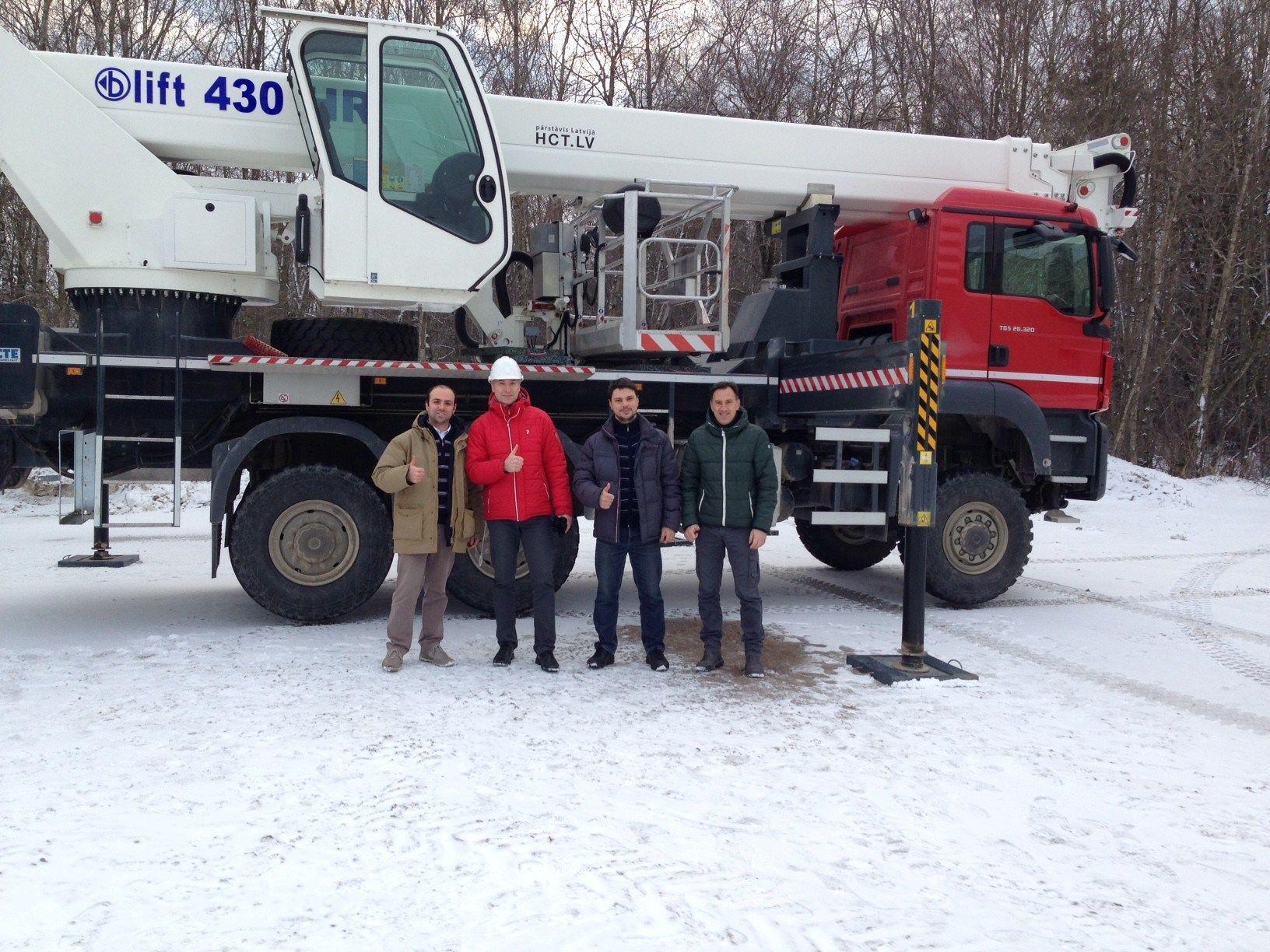 da sinistra, Davide Pulito (CTE area manager), Aleksandr Zahharov (Eesti Energia Kaevandused), Aleksandrs Urbanovics (HCT Automotive)  e Luca Debiasi