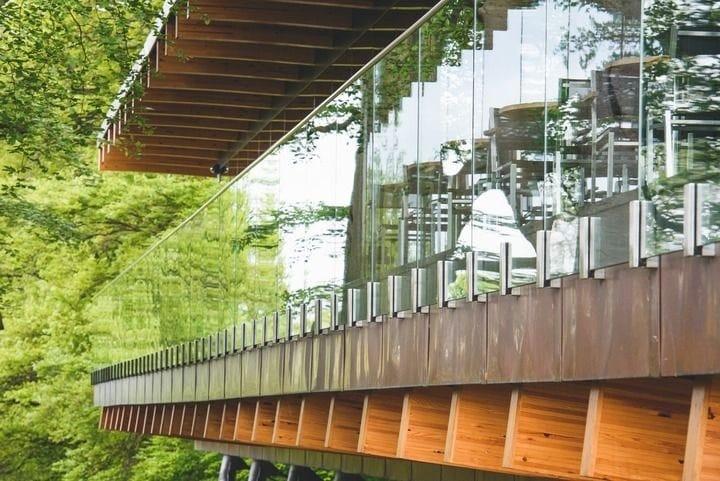 Q-railing punta su Easy Glass MOD 0763 per la ristrutturazione di Blackburn Wing