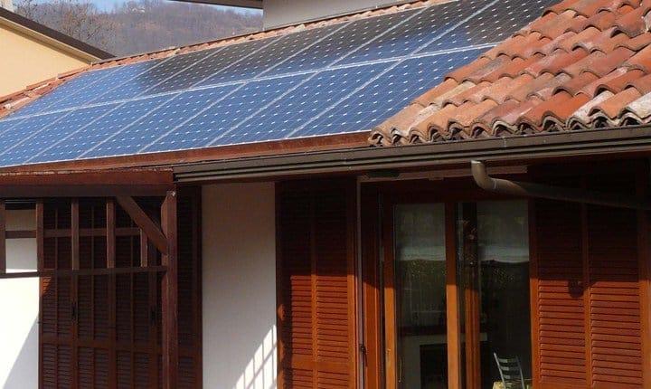 Fotovoltaico sugli edifici, non è richiesto l'aggiornamento catastale