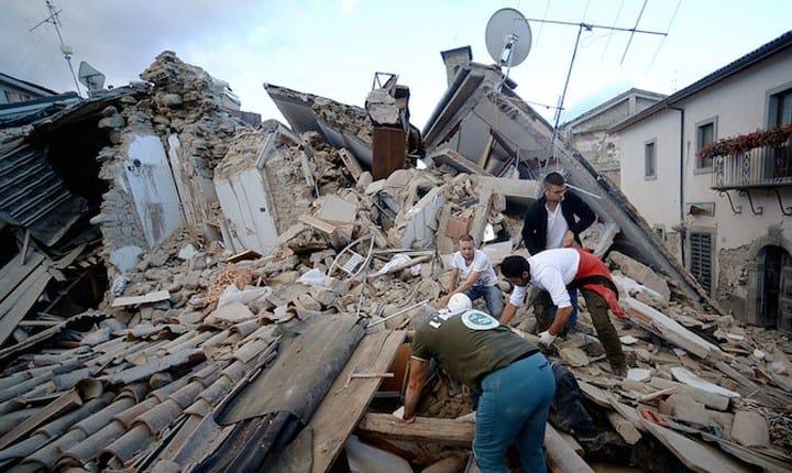Terremoto devasta il Centro Italia, si contano vittime e gravi danni alle strutture
